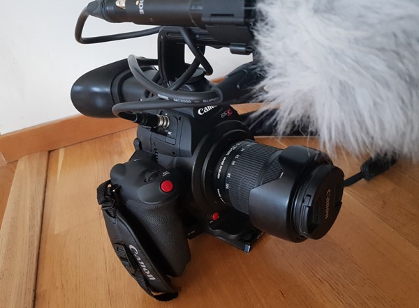 Canon EOS C100 M II NYSKICK MED EXTRABATTERI (TILLBEHÖR SEPARAT)