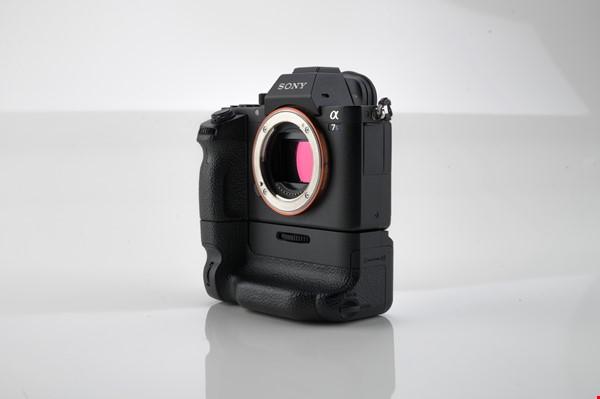 SONY A7s II + Batterigrepp (Nyskick)