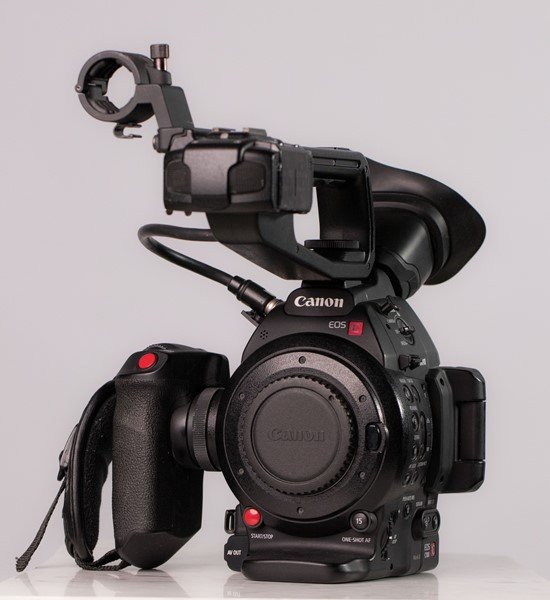 Canon c100 mark ii  Nyskick endast använd 33h