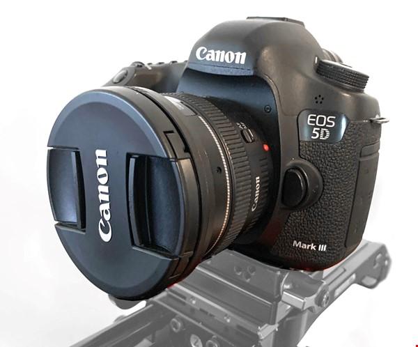 Canon 5d mk3 + Canon EF 50mm f/1.4