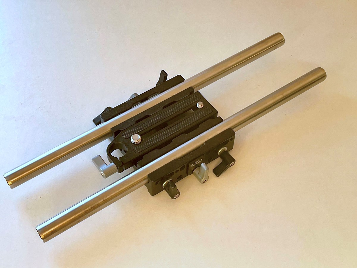 Wooden Camera unified baseplate quick release med rods