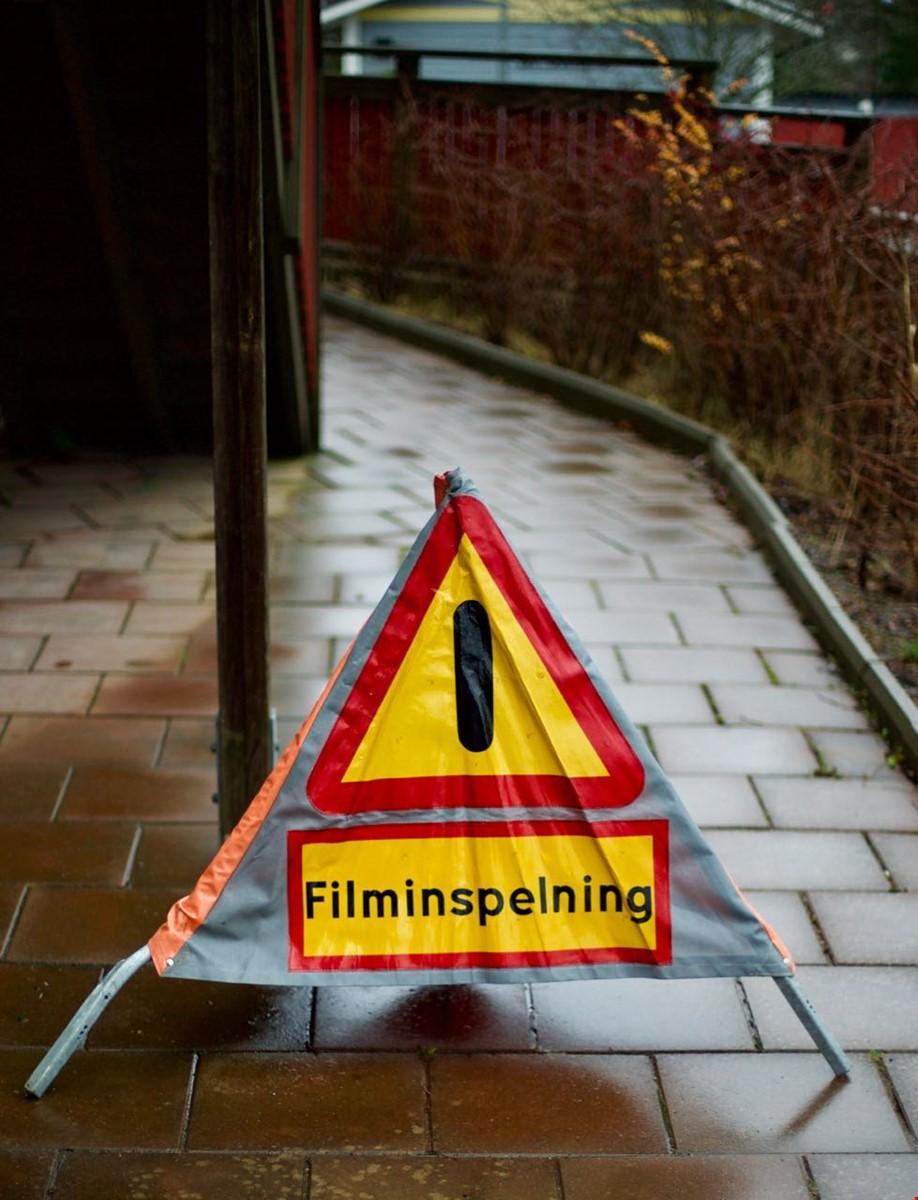 Vägmärke tillfälligt, Varselmärke, tältmodell - varnar för filminspelning