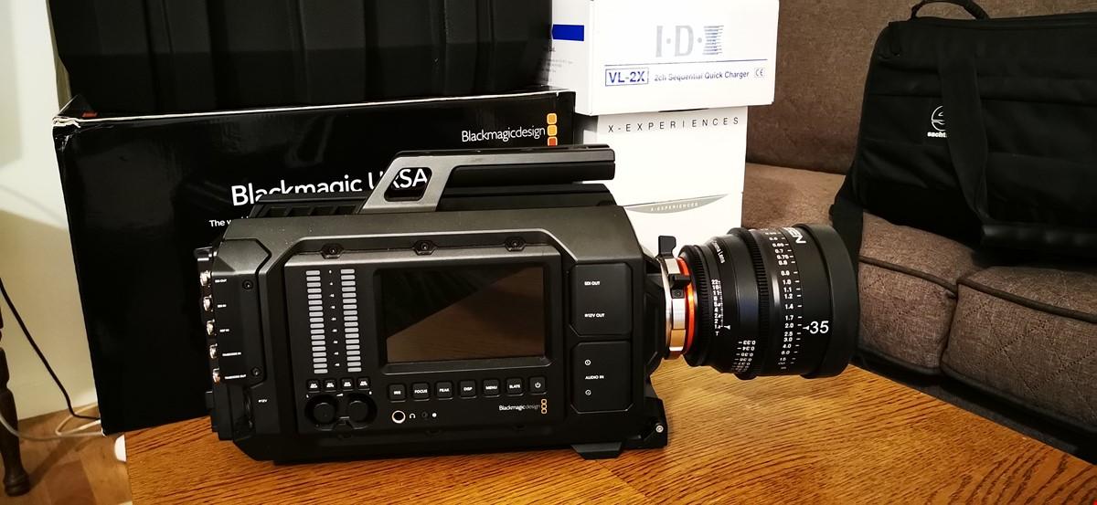 Blackmagic URSA 4k PL med Xeen 35mm, T1.5  och V-mount batterier...