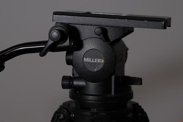 Miller Arrow 55 videohuvud + Miller Solo 100 stativ