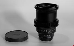 Zeiss Milvus 35mm 1.4 ZF.2 Nikon modded med EF adapter.