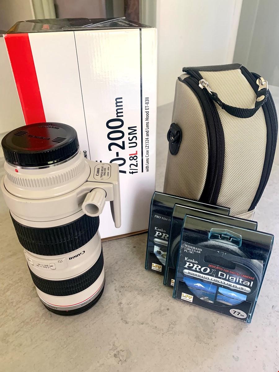 Canon EF L USM f/2.8 70-200 mm.